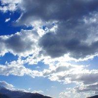 Облака в горах :: Zak Doguzov