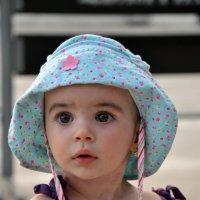 Девочка из Абхазии :: Дмитрий Грибанов