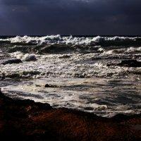 не спокойно синее море :: evgeni vaizer