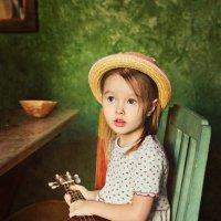 Девочка с гавайской гитарой :: Елена Ященко