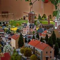 макет города на детской железной дороге :: Aleksandr Zabolotnyi