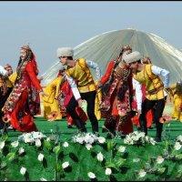 Танец :: Ахмед Овезмухаммедов