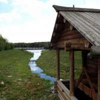 Была река, а теперь ручеек. :: Николай Дони