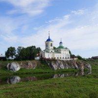 На берегу реки :: Александр Смирнов