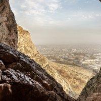 Пещера в Сулейман Тоо :: Павел Ребрук