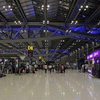 Таиланд. Аэропорт Суварнабхуми. Зал регистрации :: Владимир Шибинский
