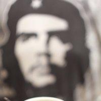 за чашечкой кофе :: Валера Грабовский