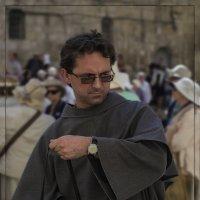 Паломник-21 века(Доминиканский монах)«Израиль, всё о религии...» :: Shmual Hava Retro
