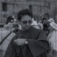 Паломник-21 века(Доминиканский монах)BW«Израиль, всё о религии...» :: Shmual Hava Retro