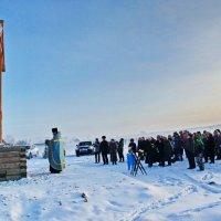 Освящение поклонного креста в Ильинском :: Валерий Симонов