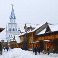 Улица в Измайловском кремле :: Владимир Болдырев