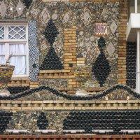 Гянджа. Дом, построенный из бутылок. Шампанского. :: Алексей Окунеев
