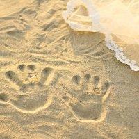 Следы на песке :: Юлия Лопатченко