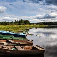 Лодки на реке :: Дмитрий
