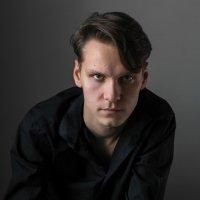 Портрет молодого человека :: Евгений Поляков