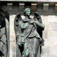 Ангел на Исаакиевском соборе. :: Елена