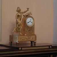 Часы в комнате бабушки М.Ю.Лермонтова :: Мила