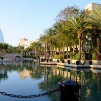 парк возле отеля Бурдж аль Араб :: Юлия
