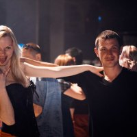 Танцы,Танцы,танцы и сводит музыка с ума!!! :: Александр Жирный