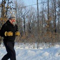 Более 35лет бегает в лес за здоровьем :: Николай Сапегин