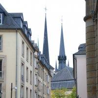 Собор Люксембургской Богоматери, а точнее его три башни. Люксембург. :: Lara