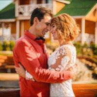 Два человека счастливы друг с другом настолько, насколько часто они смеются вместе :) :: Алексей Латыш