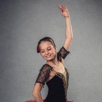 Маша в образе Китри :: Ирина Лепнёва