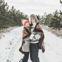 Зима — то время года, когда люди должны согревать друг друга. Своими словами, чувствами, заботой. :: Натали Гельм