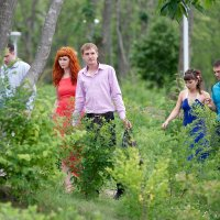 нарядные люди в лесу) :: Sofia Rakitskaia
