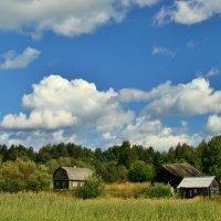 облака над деревней :: Валентина. .