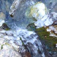 Ледяные сокровища горного ручья :: Константин Снежин