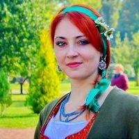 Девушка в старинной одежде :: Ростислав