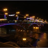Мост через Двину в праздничном сиянии. :: Роланд Дубровский
