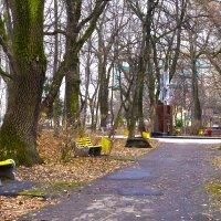 в городском парке :: юрий иванов