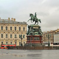 Памятник Николаю Первому на Исакиевской площади :: Олег Попков