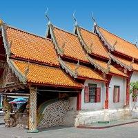 Таиланд. Чанг Май. Маленький старый храм :: Владимир Шибинский