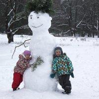 Мы не ели, мы не пили - бабу снежную лепили ! :: Маргарита ( Марта ) Дрожжина