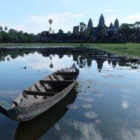 Камбоджа. Храмовый комплекс Ангкор Ват - главный символ страны. :: Rafael