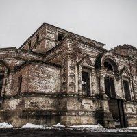 заброшенное здание :: Дмитрий Кулиш