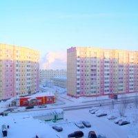 солнечный зимний день в Надыме :: Сергей Плесовских