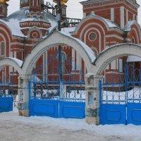 Церковная ограда :: Егор Егоров