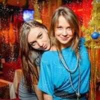 Девочки и ёлочка ) :: vadim burmistrov