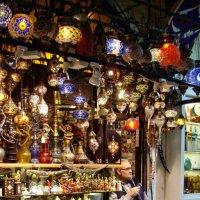 Торговец с Гранд-базара :: михаил кибирев