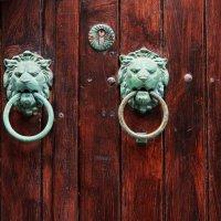 Двери,замки. :: Сергей Калиновский