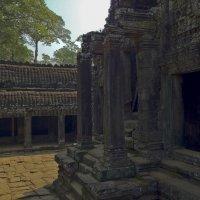 Зловейшие развалины Ангкора :: Николай Алёхин
