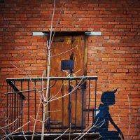 Малыш  ждет Карлссона. :: Alexey Malishev