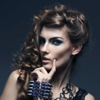 Curls :: Лара Револьт