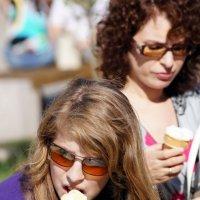 Давай по мороженому? :: Сергей Исаенко