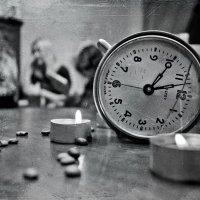 Часы на столе :: Николай Шлыков