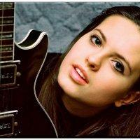 Девушка с гитарой :: Константин Нусенко